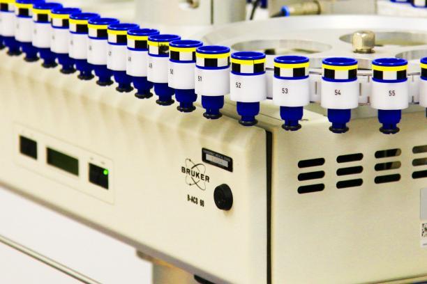 Sample changer automates high-throughput sampling