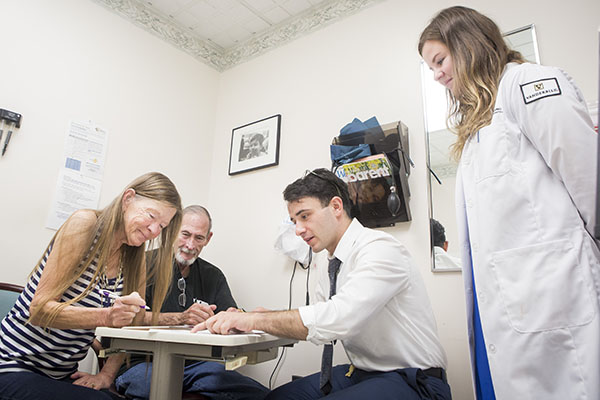 Vanderbilt Law and Nursing student clinic provides seniors with advance care planning and legal documents
