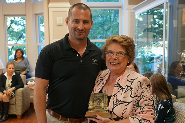 McNew receives VUSN's first Divisional Commodore Award