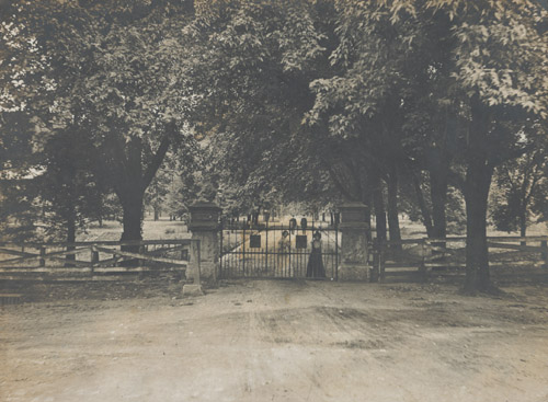 Broad Street entrance to Vanderbilt campus 1900