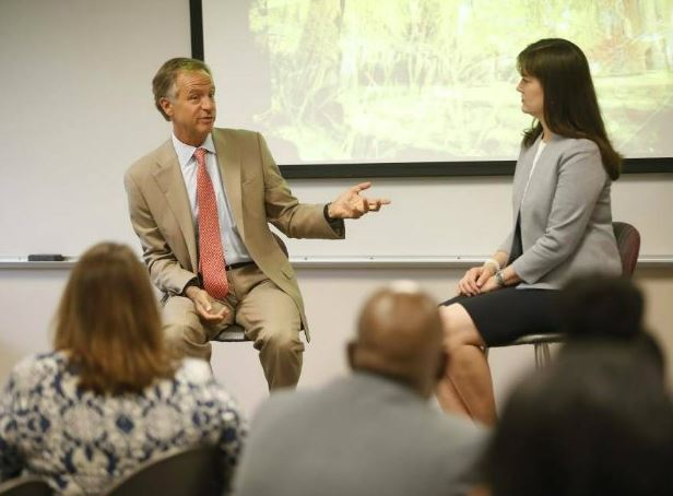 Photo of Governor Bill Haslam and Education Commissioner Candice McQueen
